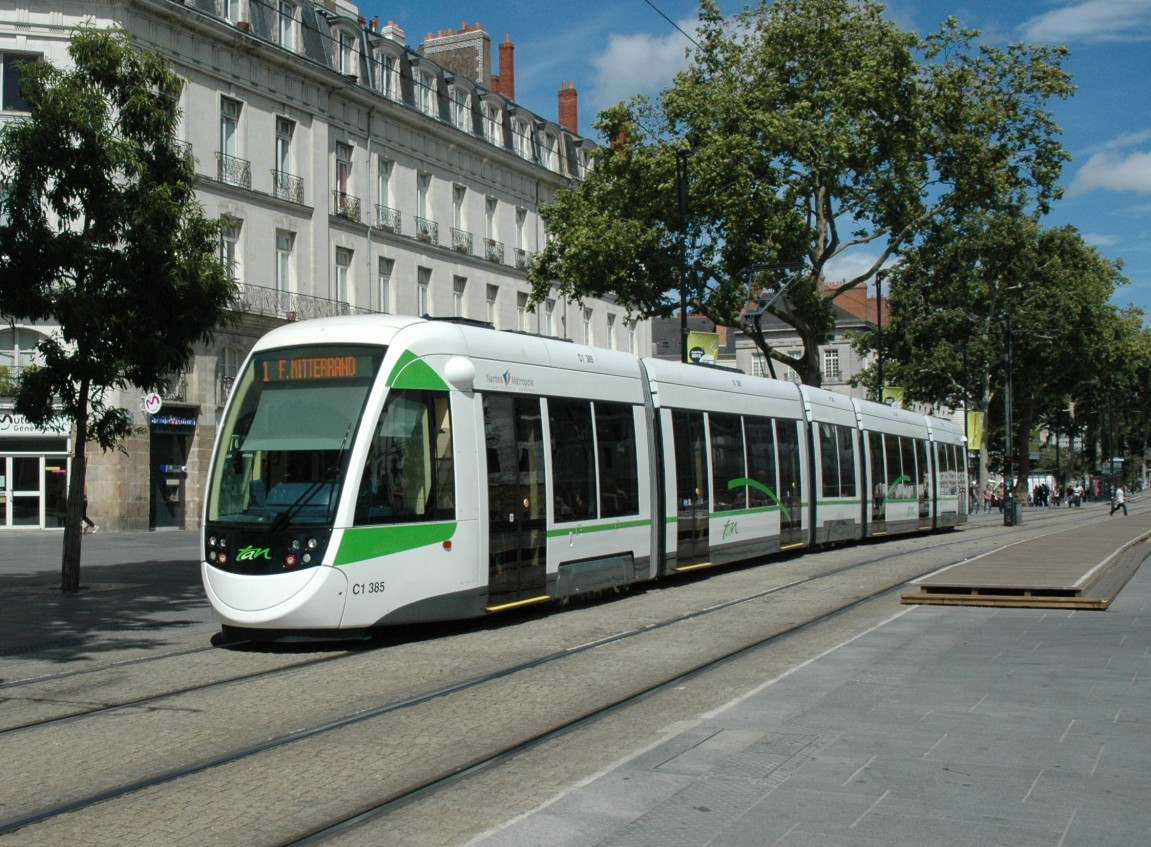 Wireless charging for ICPT trams (Inductive Coupling Power Transfer)