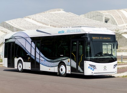 Traction converters for electric and hybrid buses